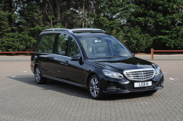 Mercedes hearses l e brand sons for Mercedes benz hearse